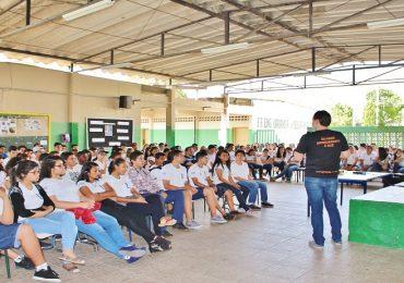 Palestra na escola Urbano (Taubaté)